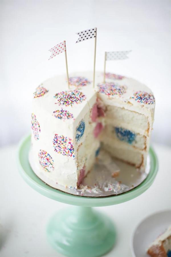 01-polka-dot-cake